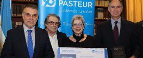 """La Obra Social Luis Pasteur entrego el premio al """"Mejor trabajo científico"""""""